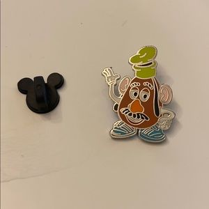Disney pin 2009 Mr potato head goofy